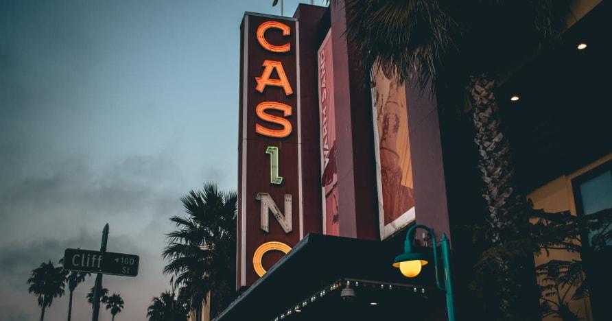 Интернет-казино Vs. Наземное казино - знайте преимущества