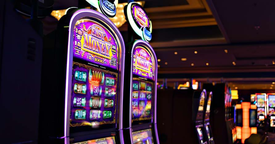Что вам нужно знать о Play'n Go Money и новых игровых автоматах - Rabbit Hole Riches